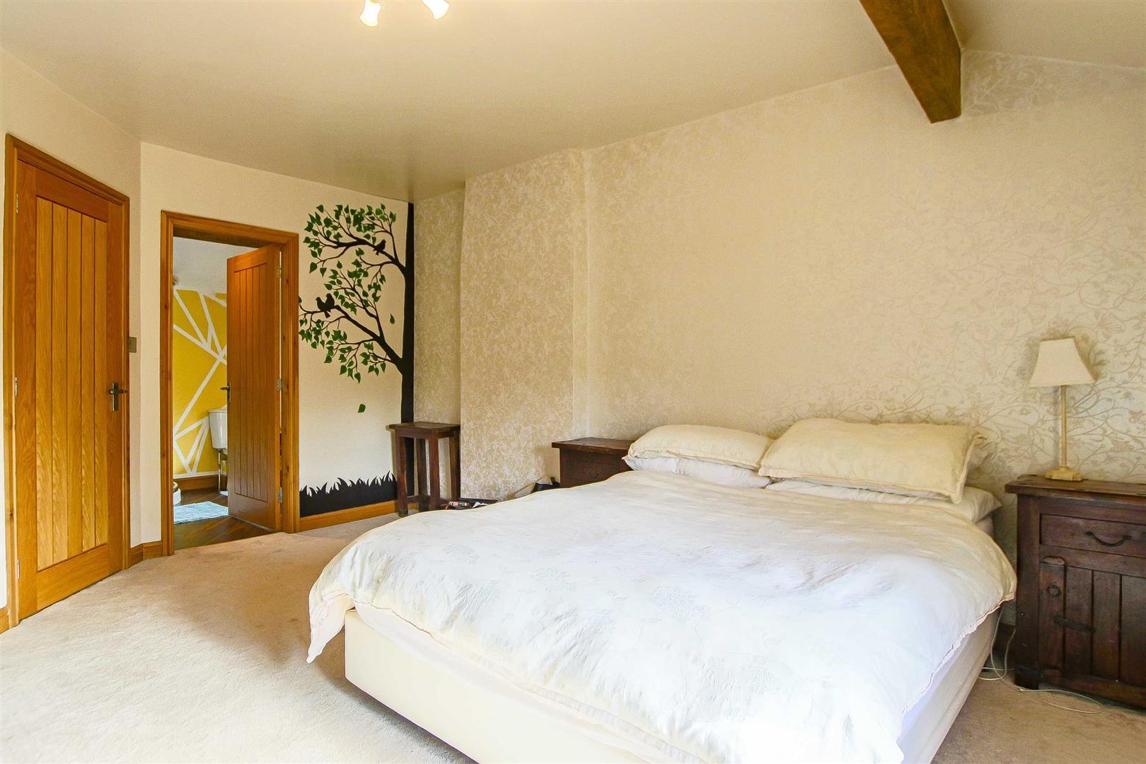 5 Bedroom Cottage For Sale - Image 47